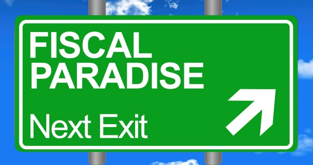 Street sign pointing to Fiscal Paradise